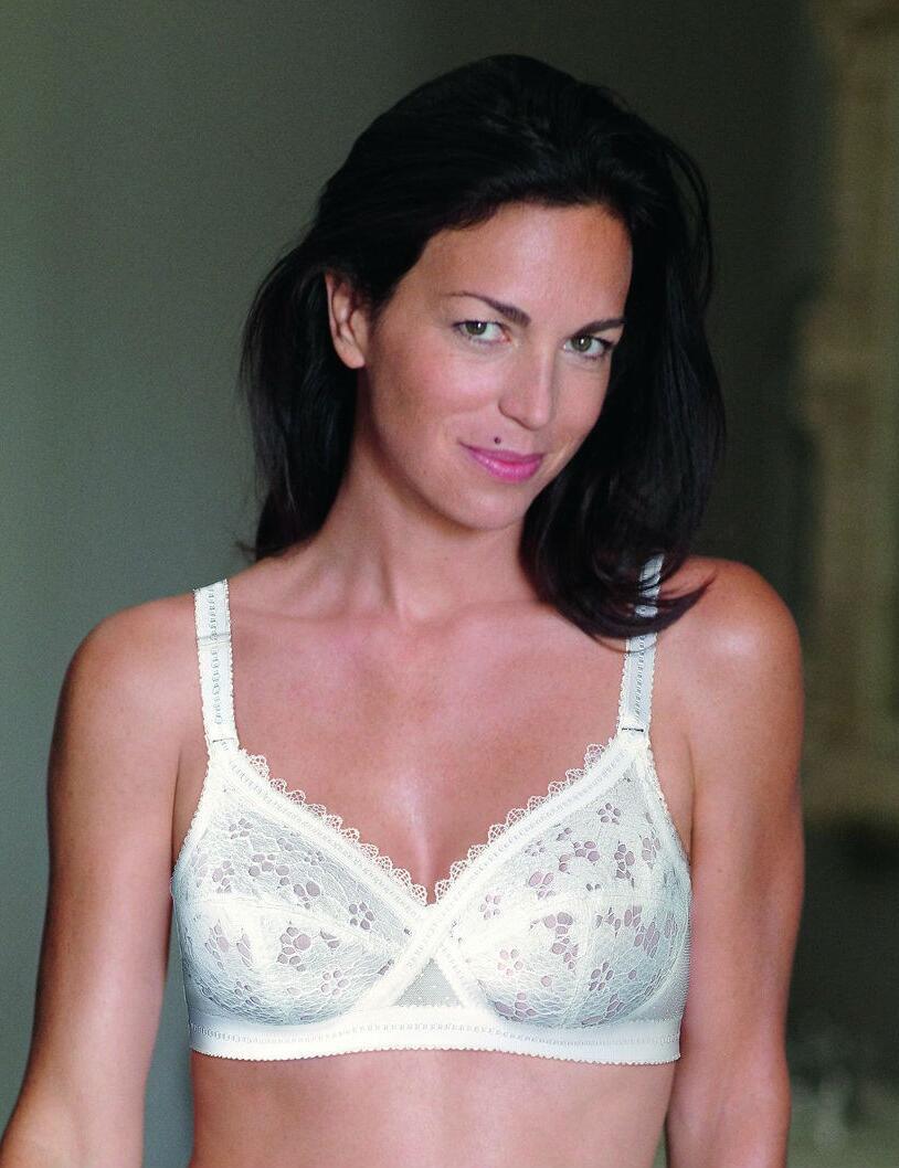 Playtex Classic Lace: soft Cup Bra P01OA - White