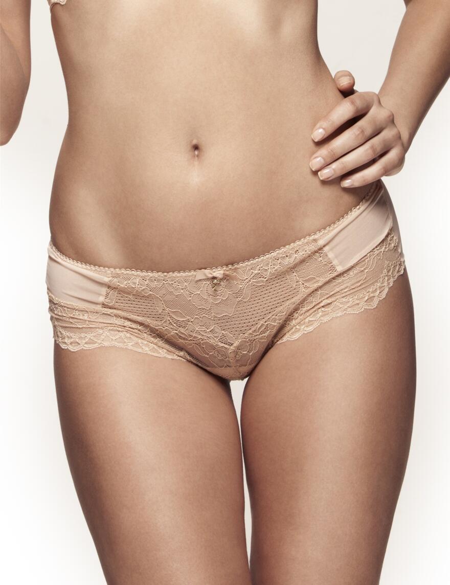 Gossard Superboost Lace Shorts - Natural